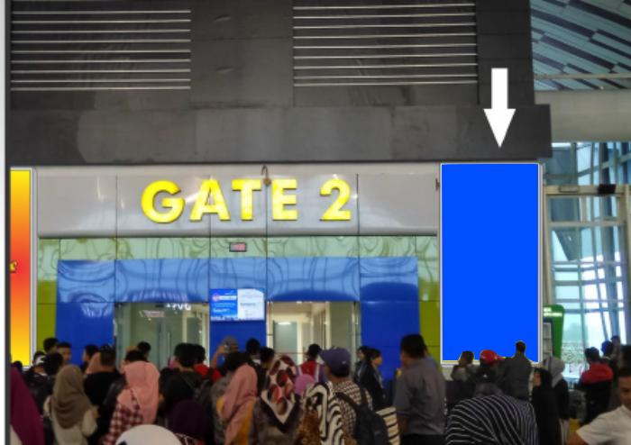 NEON BOX WALL GATE 2 KANAN SULTAN HASANUDDIN INTERNATIONAL AIRPORT